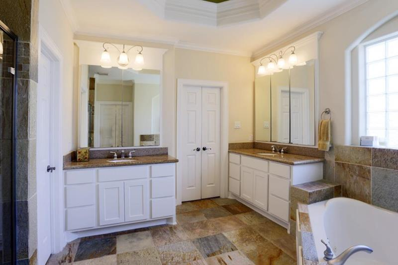 23 Master Bathrooms With Two Vanities-5