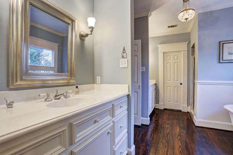 23 Master Bathrooms With Two Vanities