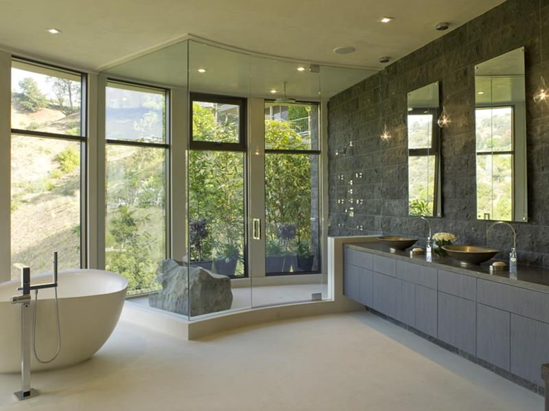 24 Beautiful Master Bathrooms-13