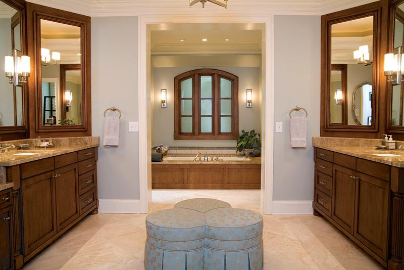 24 Beautiful Master Bathrooms-4