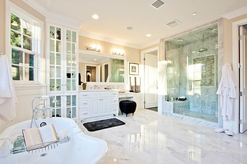 24 Beautiful Master Bathrooms-7