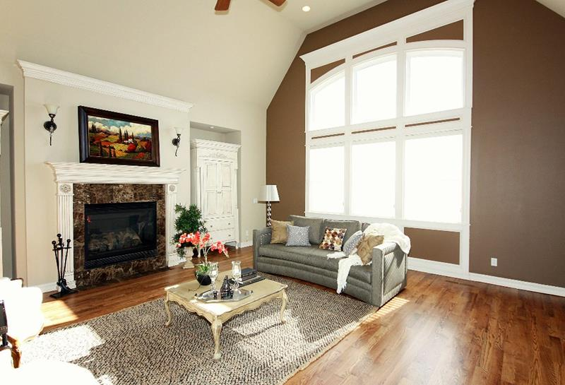 24 Living Rooms With Vaulted Ceilings-7
