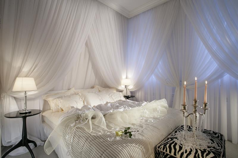 25 Beautiful Master Bedrooms-16