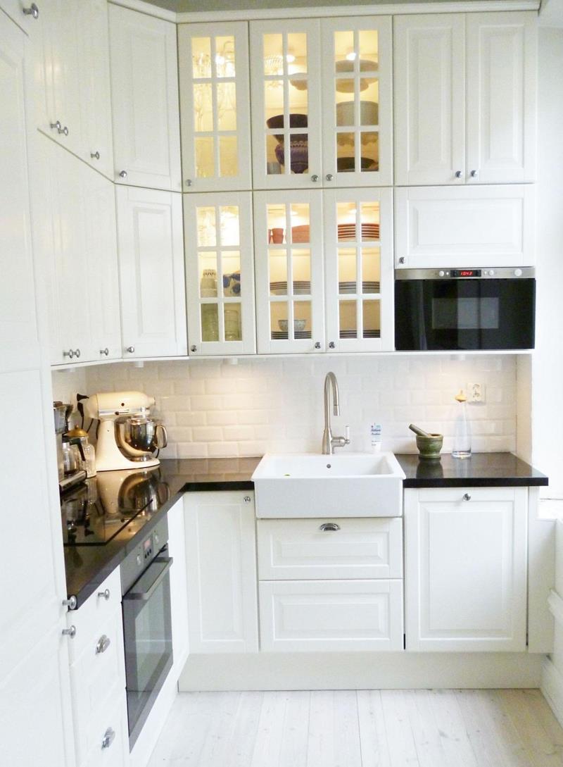 25 Bright Kitchen Designs-3