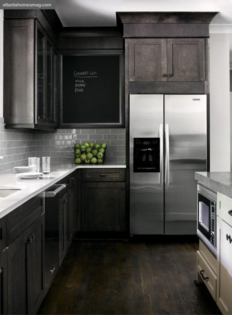 25 Elegant Kitchens with Hardwood Floors-25