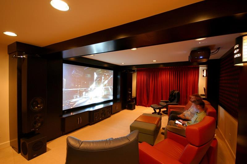 25 Jaw Dropping Home Theater Designs-21