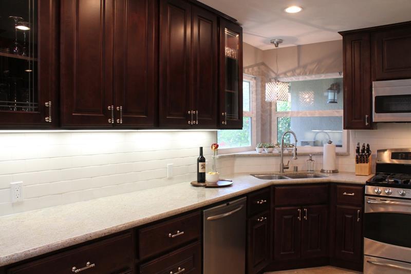 25 Kitchen Backsplash Design Ideas-22