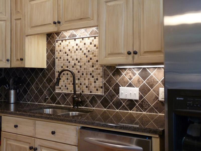 25 Kitchen Backsplash Design Ideas-5