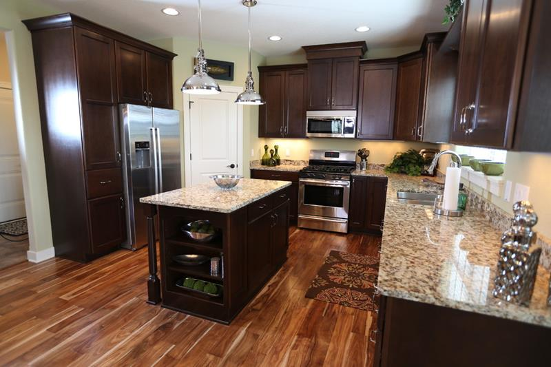 25 Kitchens With Hardwood Floors - Page 2 of 5