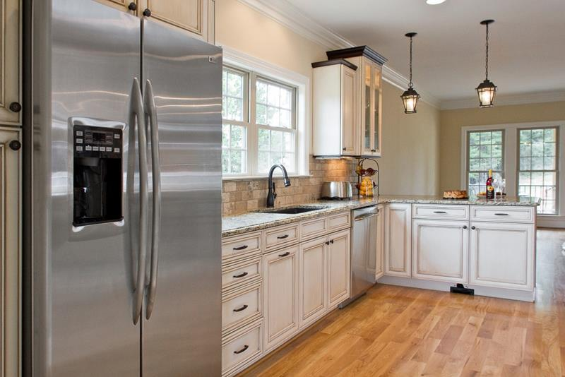 25 Kitchens With Stainless Steel Appliances-19