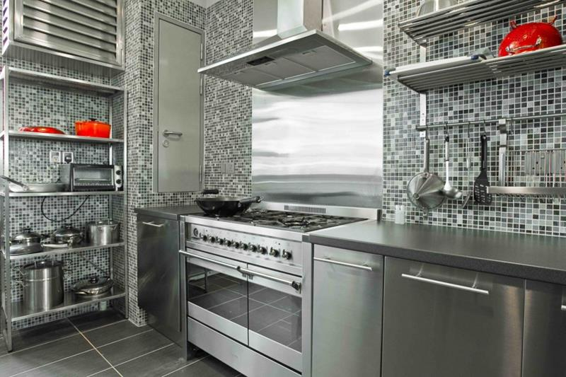25 Kitchens With Stainless Steel Appliances-20