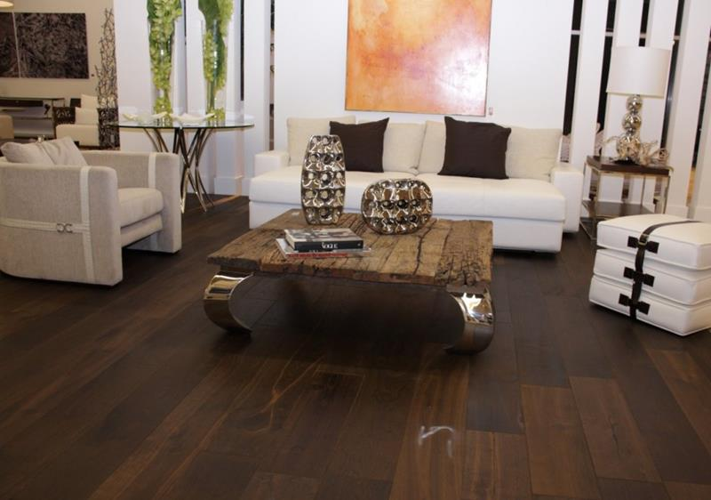 25 Living Rooms With Hardwood Floors-7