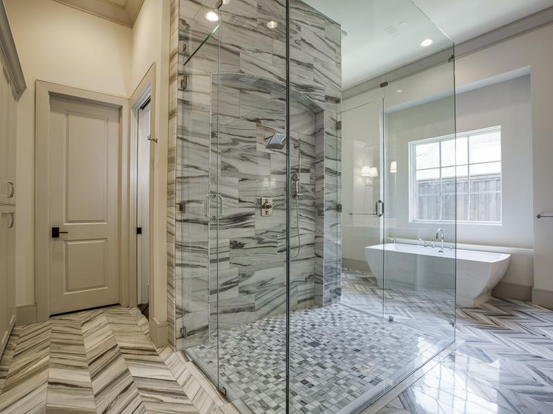25 Luxury Walk In Showers-1
