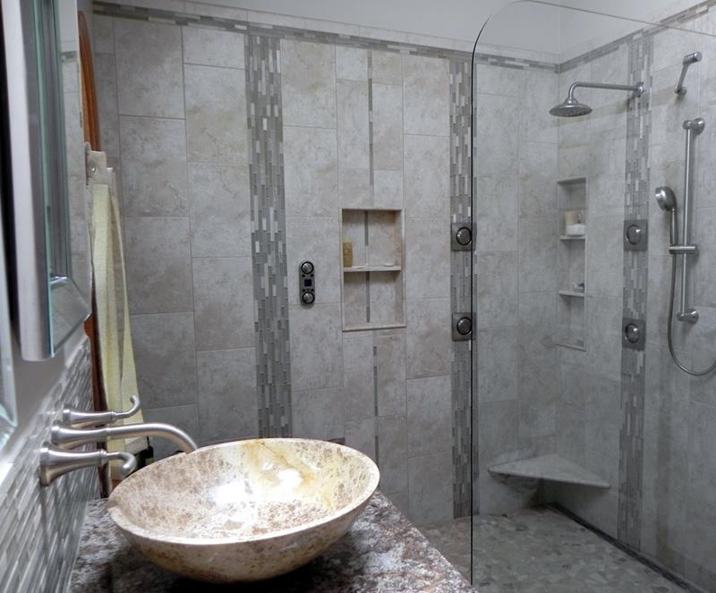 25 Luxury Walk In Showers-16