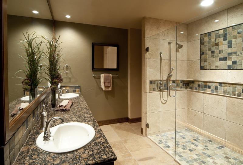 25 Luxury Walk In Showers-17