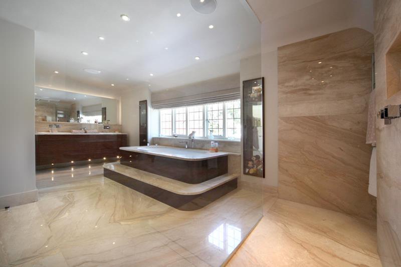 25 Luxury Walk In Showers-22