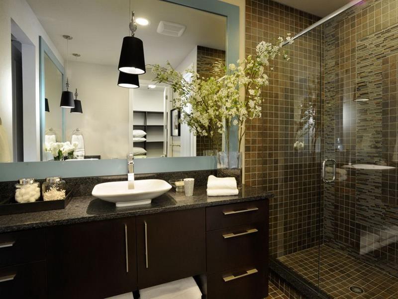 25 Luxury Walk In Showers-24