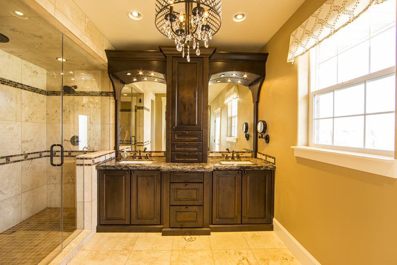 25 Luxury Walk In Showers-6
