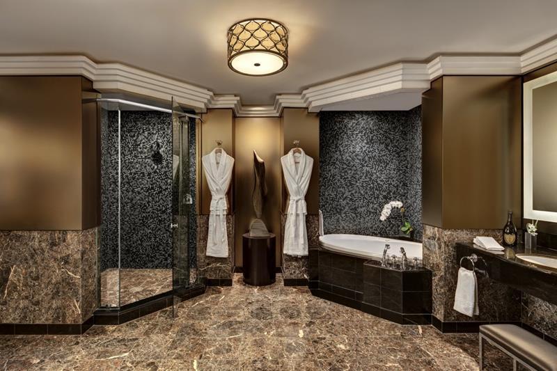25 Luxury Walk In Showers-8