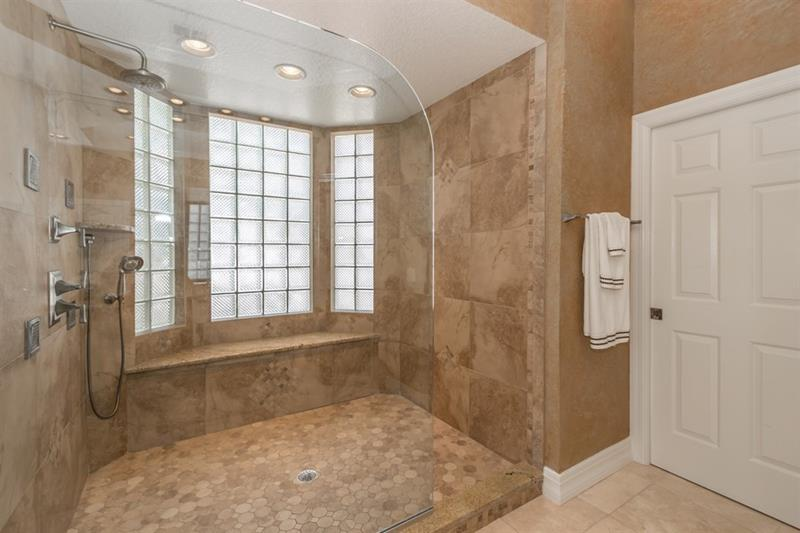 25 Luxury Walk In Showers Page 2 Of 5