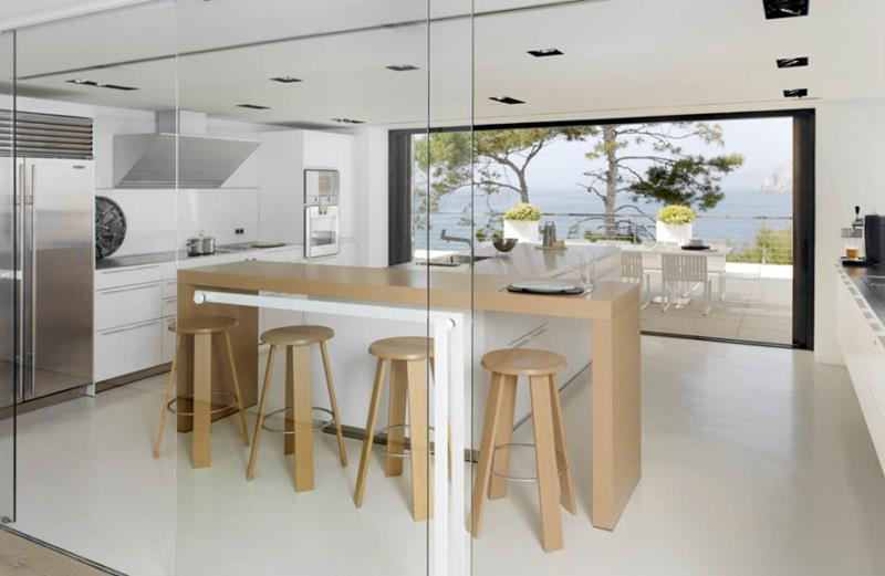 25 Stunning Kitchens with Big Windows-1
