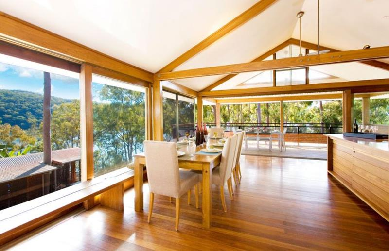 25 Stunning Kitchens with Big Windows-21