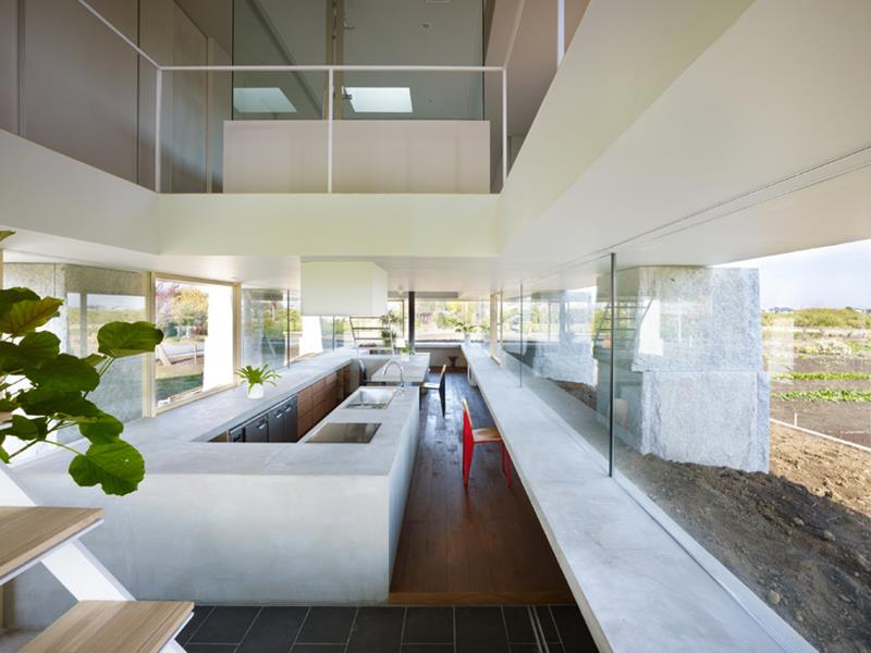 25 Stunning Kitchens with Big Windows-6