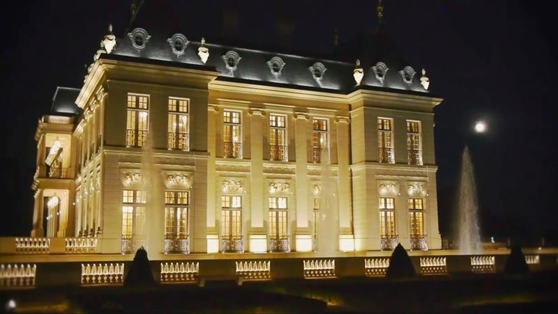 12 Photos of the Stunning 300 Million Chateau Louis XIV-12