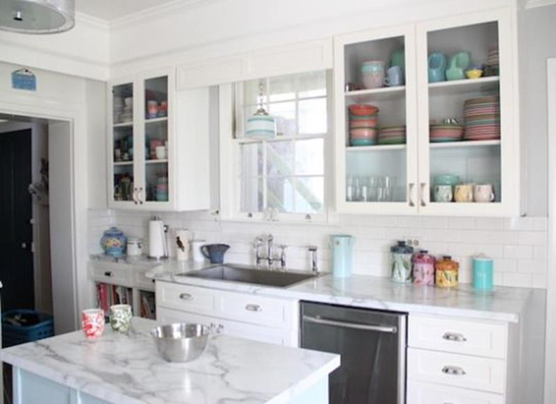 20 Pictures of Before and After Kitchen Makeovers With Cost-10