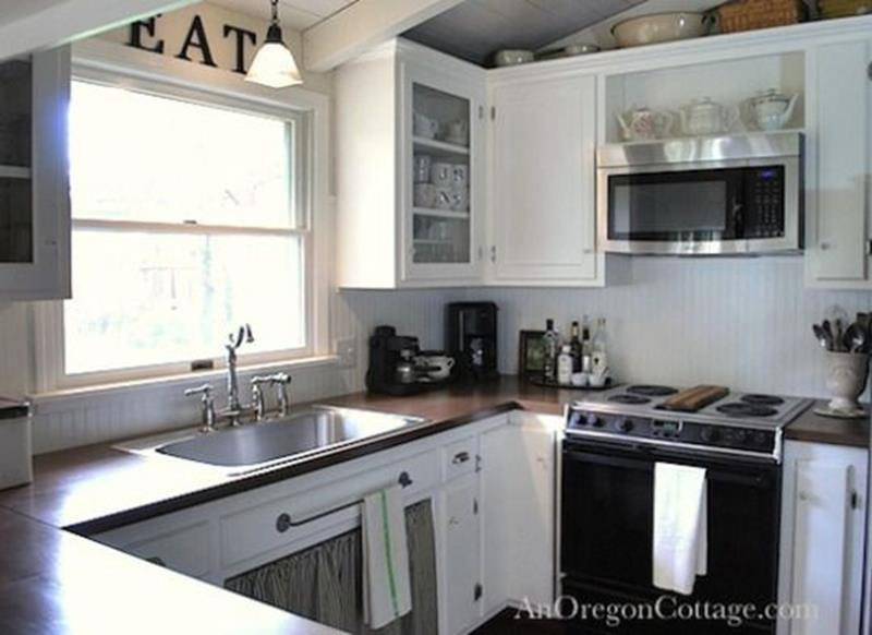 20 Pictures of Before and After Kitchen Makeovers With Cost-12
