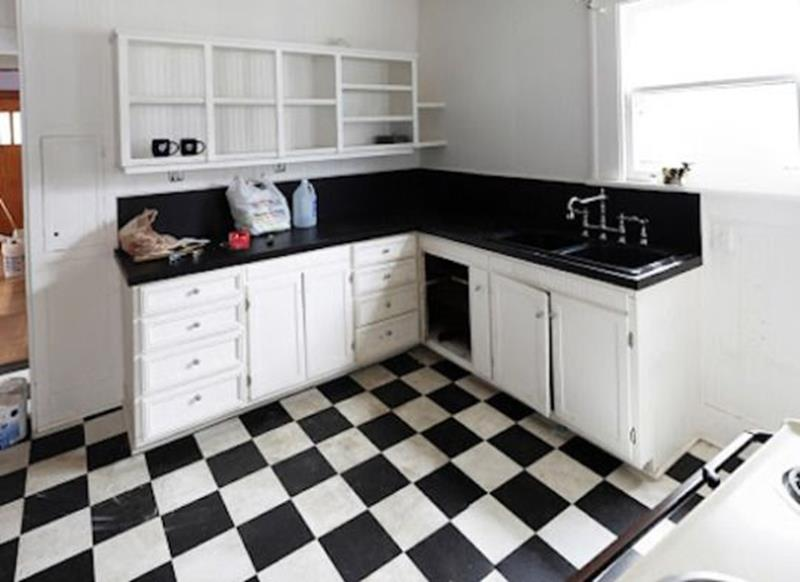 20 Pictures of Before and After Kitchen Makeovers With Cost-19