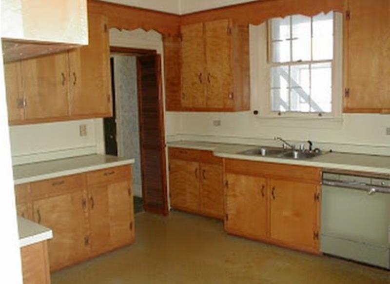20 Pictures of Before and After Kitchen Makeovers With Cost-9