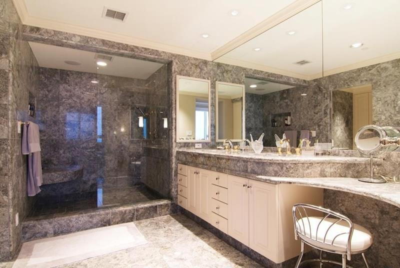 23 Marble Master Bathroom Designs-11