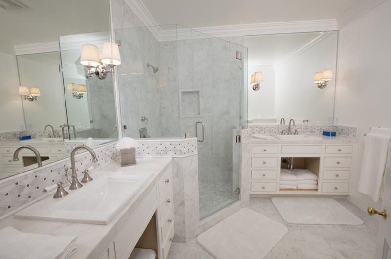 23 Marble Master Bathroom Designs-21