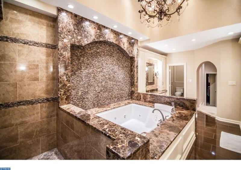 23 Marble Master Bathroom Designs-22