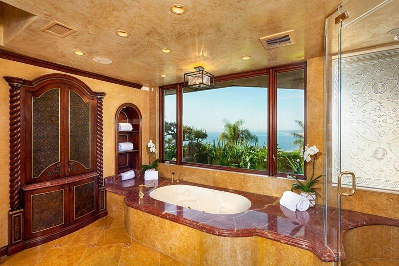 23 Marble Master Bathroom Designs-3