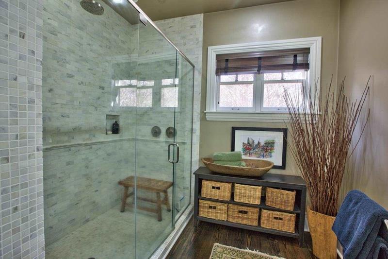 23 Marble Master Bathroom Designs-4