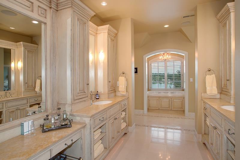 23 Marble Master Bathroom Designs-9
