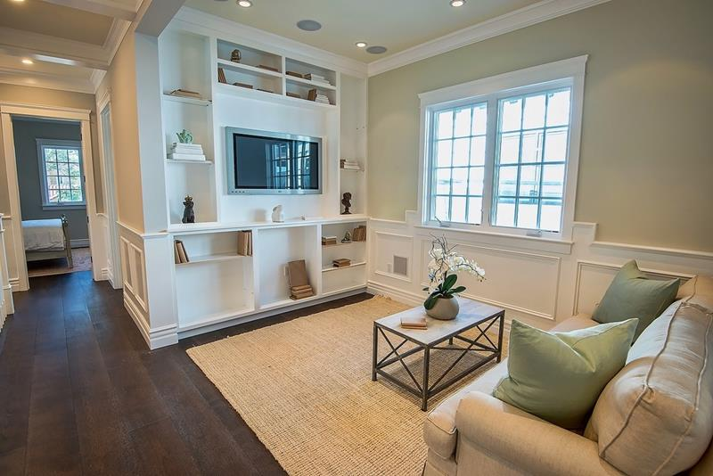 23 Stunning Living Rooms with Crown Molding-23