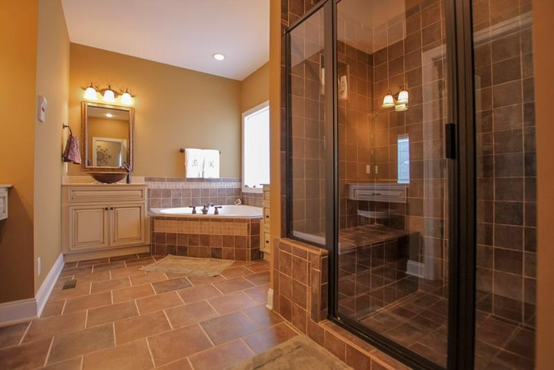 24 Brown Master Bathroom Designs-16
