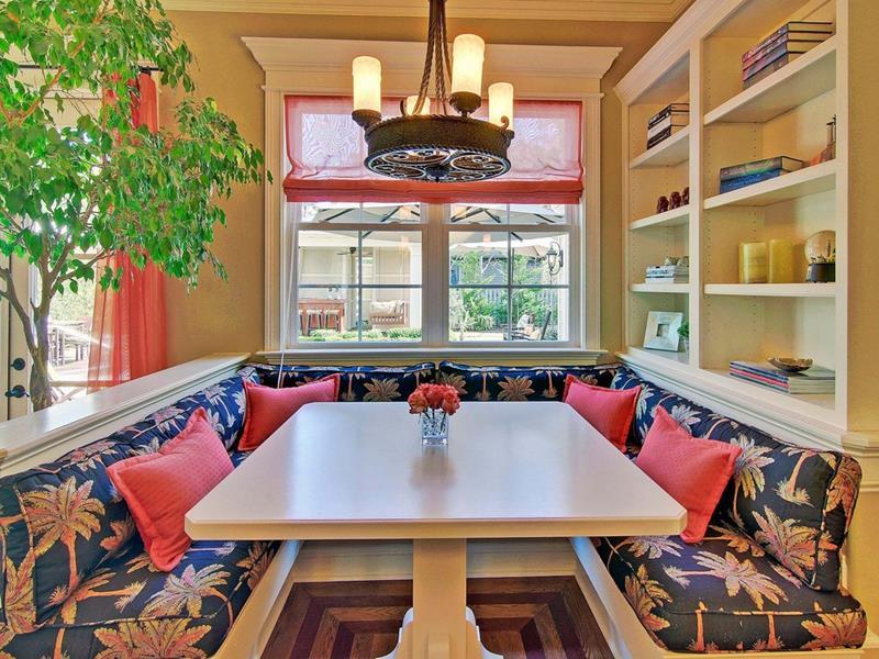 24 Kitchens with Breakfast Nooks-21