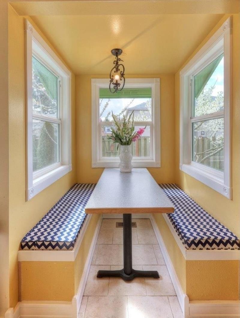 24 Kitchens with Breakfast Nooks-9
