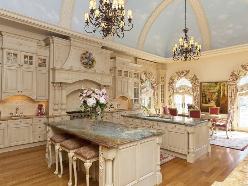 24 Kitchens with Jaw Dropping Cathedral Ceilings-24