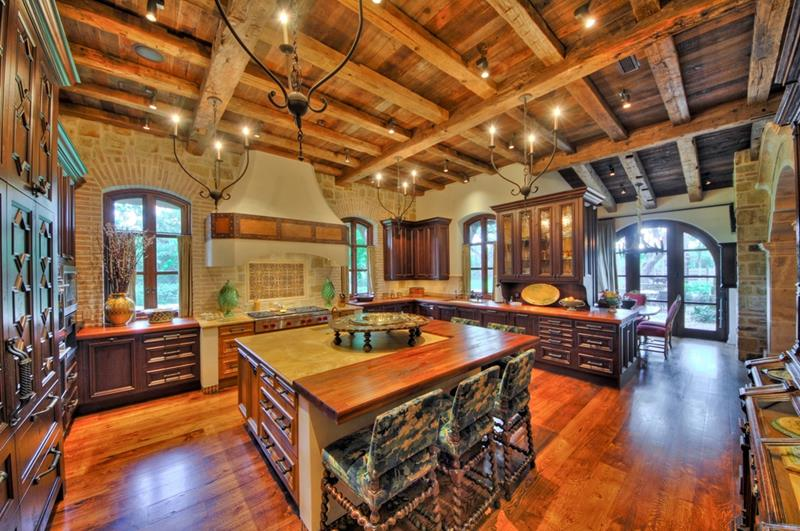 24 Kitchens with Jaw Dropping Cathedral Ceilings-title