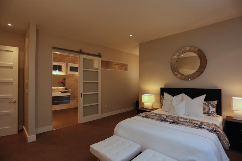 25 Brown Master Bedroom Designs-11
