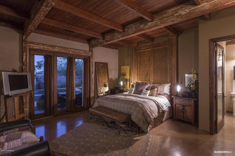 25 Brown Master Bedroom Designs-14