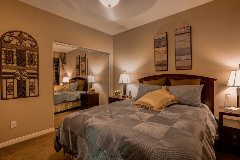 25 Brown Master Bedroom Designs-16