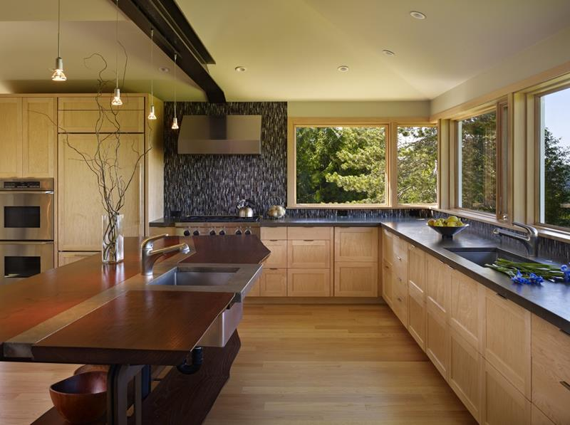 25 Kitchens with Stunning Wood Counters-24