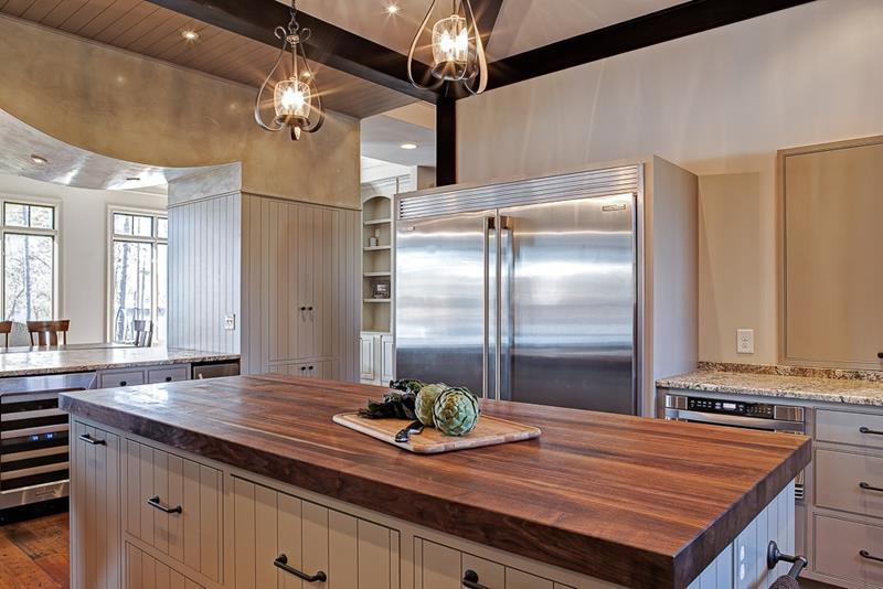25 Kitchens with Stunning Wood Counters-9
