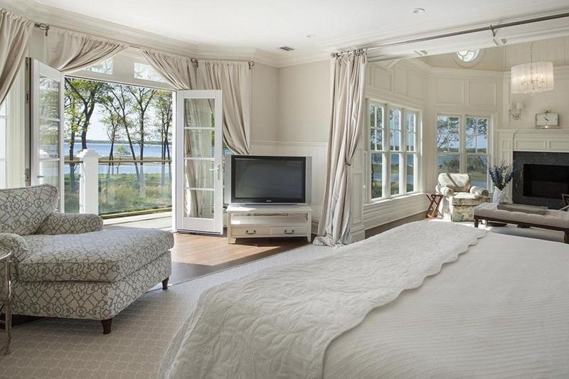 25 Master Bedrooms with a View-14
